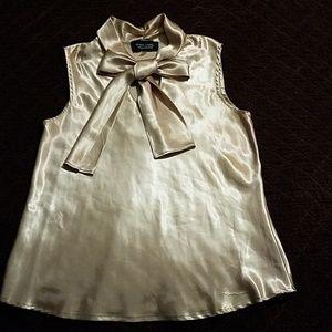 Black Label sleeveless blouse